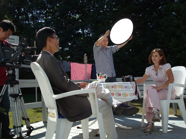 Annalisa Parent Author reads poetry on Korean television